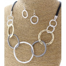 "18"" Tri-tone Graduated Open Circle Necklace Set with Earrings"