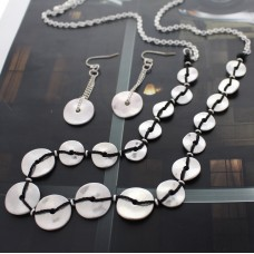 "32"" Matte Silver Donut Necklace Set with Earrings"